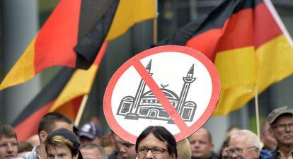 Manifestación en Bautzen, en el este, en contra de los inmigrantes