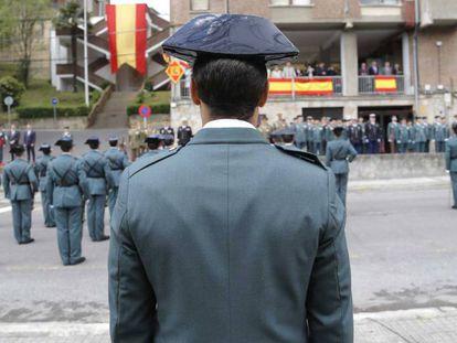 Agentes en un desfile en San Sebastián.