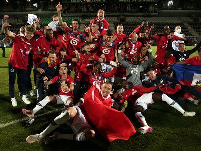 Los jugadores del Lille celebran la conquista de la liga francesa