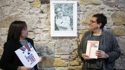Adelai de Pedrolo, izquierda, y Anna Maria Villalonga, durante la presentación del año Pedrolo.