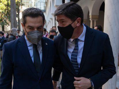 El presidente de la Junta de Andalucía, el popular Juan Manuel Moreno, y el vicepresidente, Juan Marín, de Ciudadanos, el pasado 10 de marzo en Sevilla.