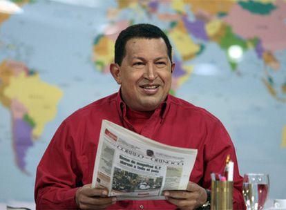 Hugo Chávez, durante la emisión de su programa de televisión 'Aló Presidente'