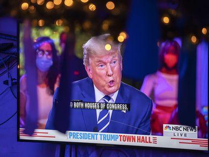 Trump, este jueves en su encuentro televisivo con los votantes.