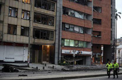 El edificio de Radio Caracol después de la explosión.