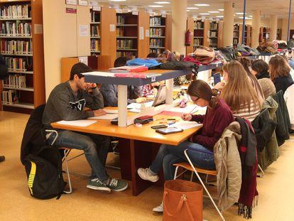 Una biblioteca de la Universidad de la Rioja, en 2018.