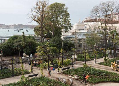 Los Jardines Reales de Venecia frente a la Laguna.