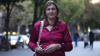 Laura Darriba, transexual a la que su ex obliga a vestirse de hombre para ver a su hijo.