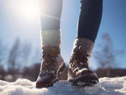 Al igual que ocurre con las manos o las orejas, los pies sufren especialmente cuando se someten a bajas temperaturas.