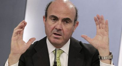 Luis de Guindos, tras el Consejo de Ministros de ayer.