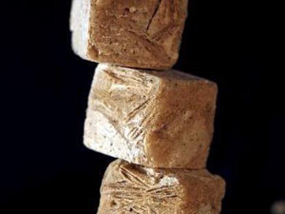 Cubos de harina de alforfón para hacer sopa, preparados por la cocinera catalana Fina Puigdevall.