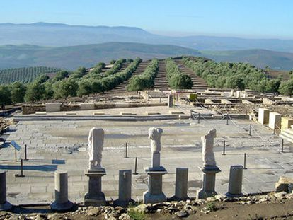 Un aspecto del foro del yacimiento arqueológico de Torreparedones.