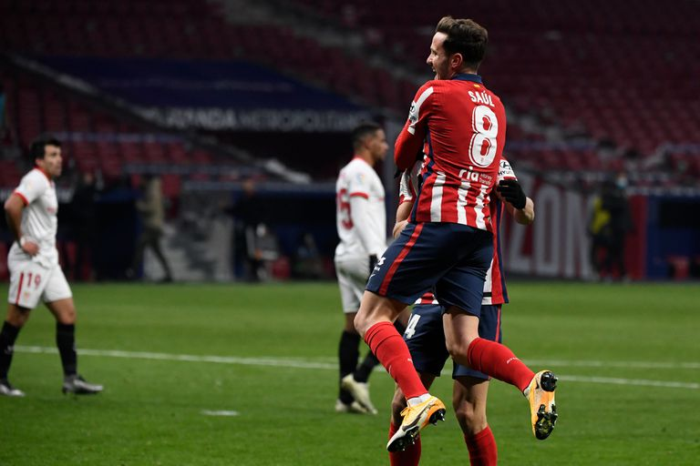 Saúl celebra su gol ante el Sevilla este martes en el Wanda Metropolitano.