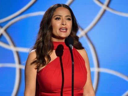 Salma Hayek, en los Globos de Oro celebrados en febrero de 2021 en Los Ángeles.