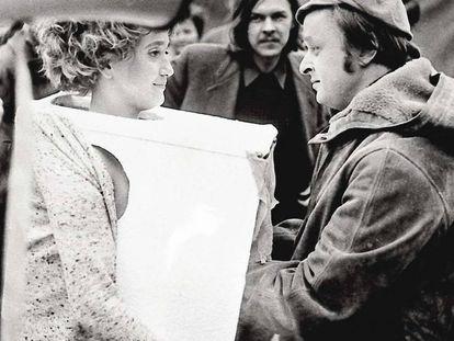 Con la acción 'Tapp und Taskino' el público introducía las manos en una caja para tocar los pechos a la chica.