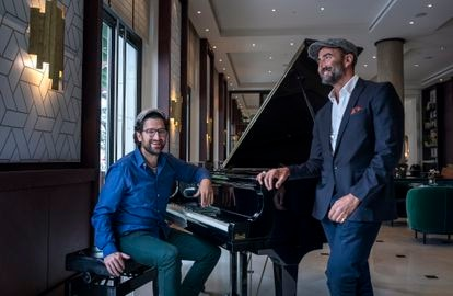 The pianist Albert Sanz and the 'crooner' Javier Botella at the Westin hotel in Valencia.