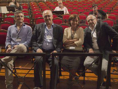 De izquierda a derecha: Juan José Negro, Manuel de León, Carmen Castresana y Juan Lerma, en Santa Cruz de La Palma.