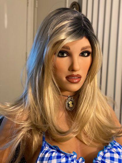 Imagen de una muñeca sexual de RealDoll.