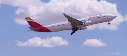 Un avión A330-200 con la imagen de Iberia