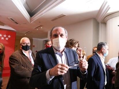Ángel Gabilondo, momentos antes de ofrecer una rueda de prensa tras las votaciones de la jornada electoral del 4 de mayo.