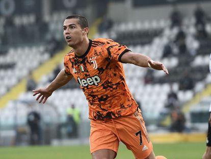 Cristiano Ronaldo celebra su segundo gol ante el Spezia en la sexta jornada de la Serie A este domingo.