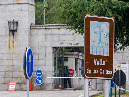 Puerta de acceso al Valle de los Caídos. En vídeo, imágenes del último ensayo de la exhumación.