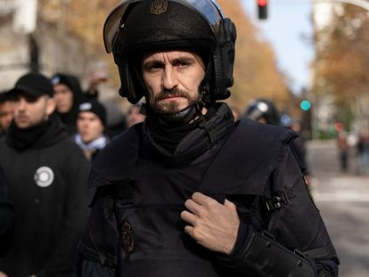 Raúl Arevalo en la serie 'Antidisturbios'.