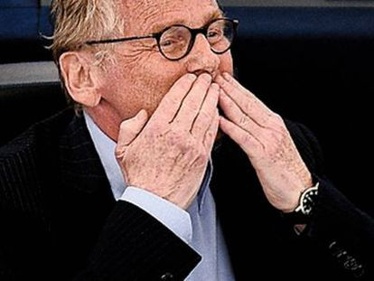 Daniel Cohn-Bendit se despidió del Parlamento Europeo lanzando besos.