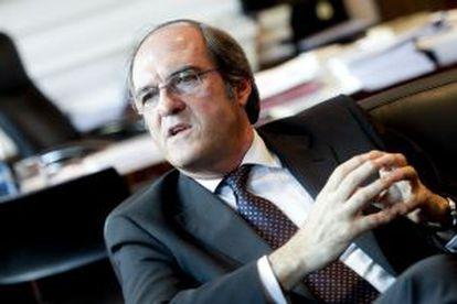 Ángel Gabilondo, en su despacho.
