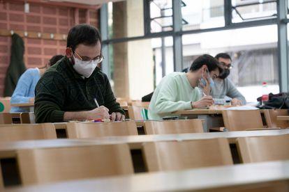 Examen en la facultad de Geografía e Historia de la Universidad de Valencia, el pasado enero.