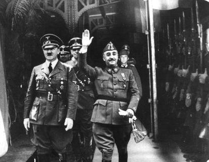 Fotografiada (trucada por la dictadura) del encuentro de Hitler y Franco en Hendaya.