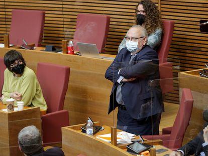El diputado de Ciudadanos, Vicente Fernández, en un pleno en las Cortes Valencianas, en marzo de 2021.
