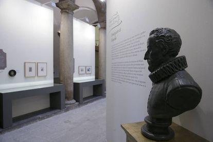Exposición sobre Cervantes en el Palacio Santa Cruz de Madrid.