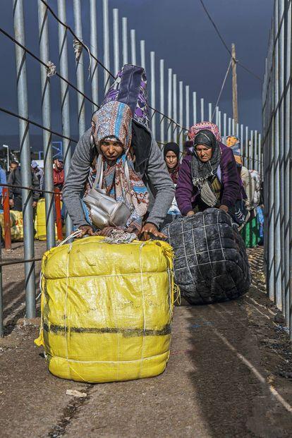 Porteadoras en Melilla.