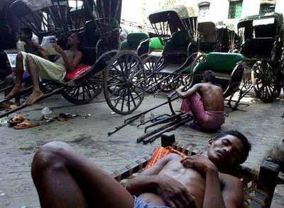 Conductores de rickshaw en Calcuta el pasado año.