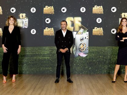 Sandra Barneda, Jorge Javier Vázquez y Lara Álvarez en la presentación de la segunda temporada de 'La casa fuerte'.