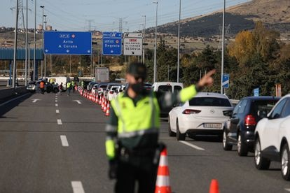 Control of the Civil Guard in the AP6, on the border between the Community of Madrid and Castilla y León, last Easter.