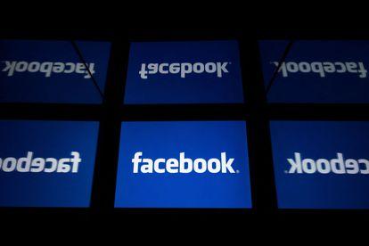 Foto de archivo del logo de Facebook en una tableta tomada en París en 2019.