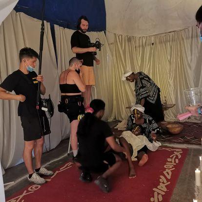 Escena del rodaje de 'MYA', un corto contra la mutilación genital femenina.