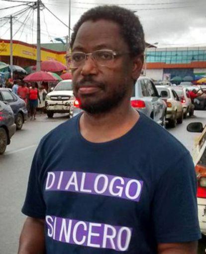Celestino Nvo-Okenve, en el mercado de Malabo, en otoño de 2014.
