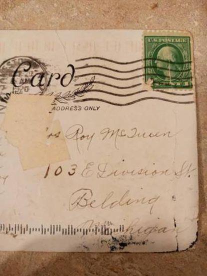 Tarjeta postal enviada en octubre de 1921 y recibida este año.