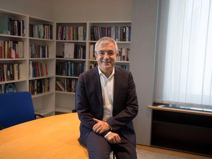 Luis Garicano, en su despacho del Parlamento Europeo, en Bruselas.