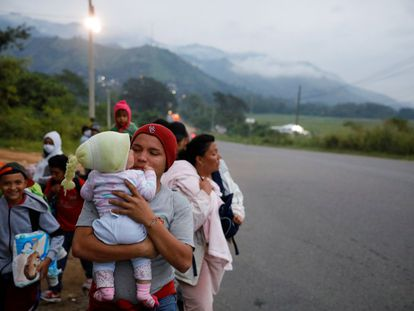Caravana de migrantes centroamericanos antes de ser disuelta por las autoridades guatemaltecas.