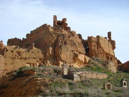 Imagen del castillo de Monreal de Ariza, donde se observa la zona del derrumbe.