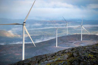Varios molinos de energía eólica en la península de Fosen (Noruega), en una imagen tomada en octubre de 2020.