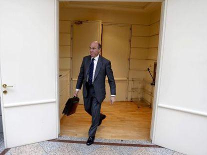 El ministro de Economía, Luis de Guindos, en el Senado