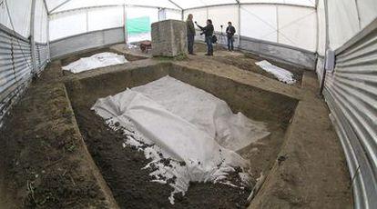 Aspecto que ofrecía ayer la zona donde se creía que estaba enterrado García Lorca, en el paraje de Alfacar (Granada).