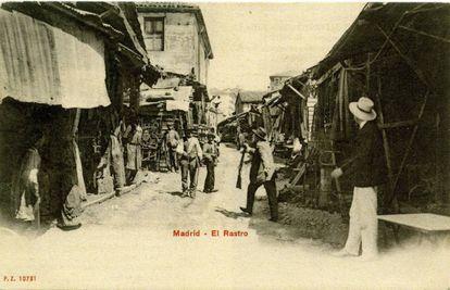 Postal del Rastro de Madrid.