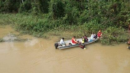 Operativo de búsqueda de los niños arrastrados por la corriente en el río Parima.