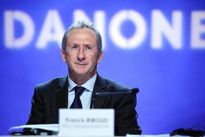 Franck Riboud, presidente del grupo Danone, durante un encuentro de la compañía en París.