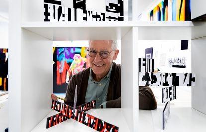 Pepe Gimeno, este martes, en su estudio de Godella (Valencia).   FOTO,MÒNICA TORRES EL PAÍS